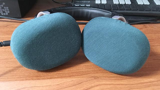 mimimamoの装着イメージ(YAMAHA HPH-MT8)イヤーカップ部分